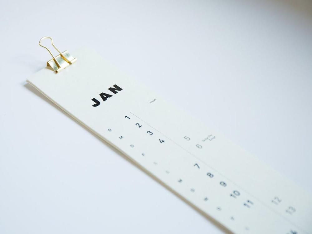 Schmaler Kalender für Typo-Fans von memare