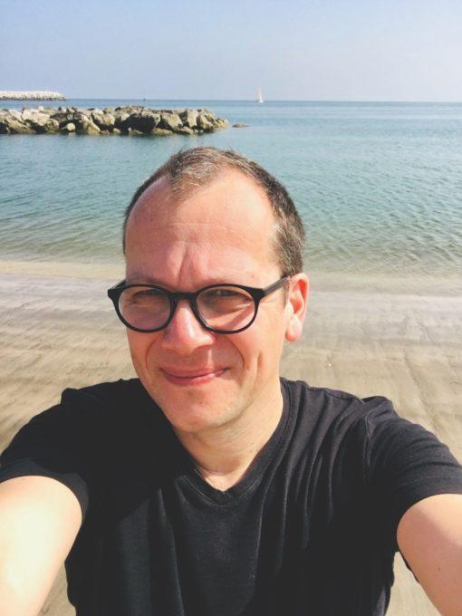 Martin Steinacker von Superunion am Strand von Oman