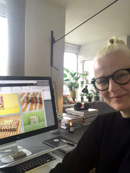 Katrin Oeding im Home Office