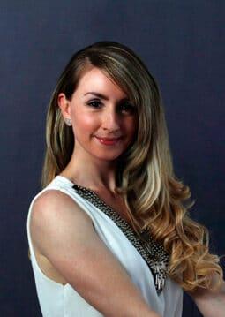 Portraitfoto von Nadja Reifer