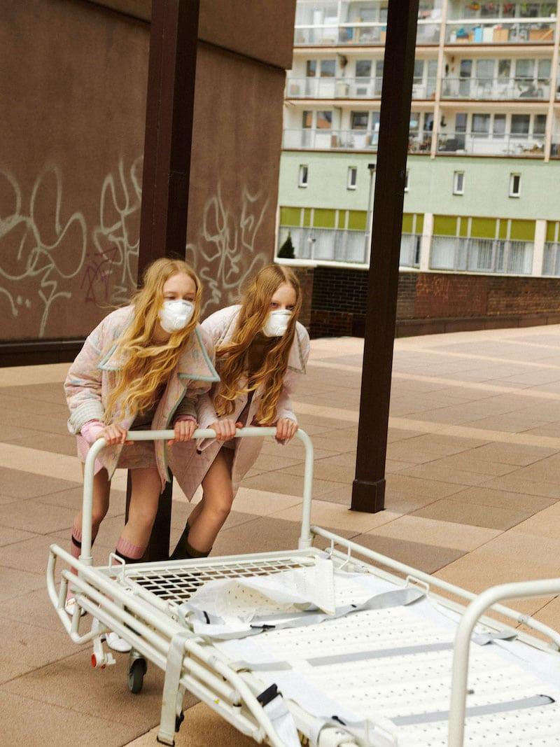 Modefotografie Mundschutz Matus Toth
