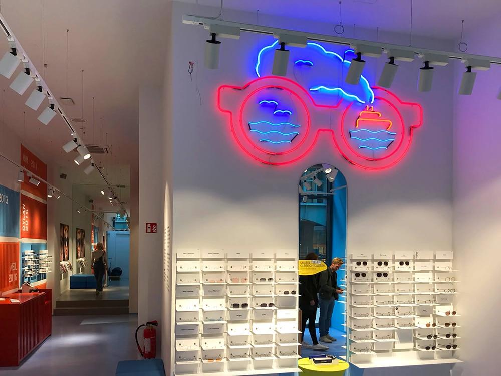 Corporate Design, Neon für ace & tate Store in Hamburg von Girlpunk™