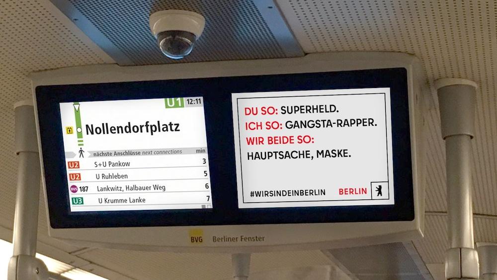 Plakat des neuen Berlin-Markenauftritt in der U-Bahn