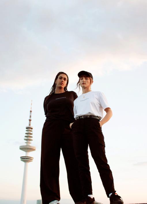 Anissa Carrington, Freelance-Designerin, und Karo Berndt, Freelance-Artdirektorin, Gründerinnen von Ladies, Wine & Design Hamburg