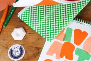 Skizzenbuch grünes Cover innen Papier