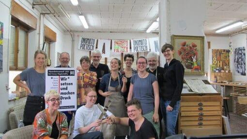 Treffen der Stipendiatinnen in der Druckerei 62.zweidrittel von Conny Hügelschäffer