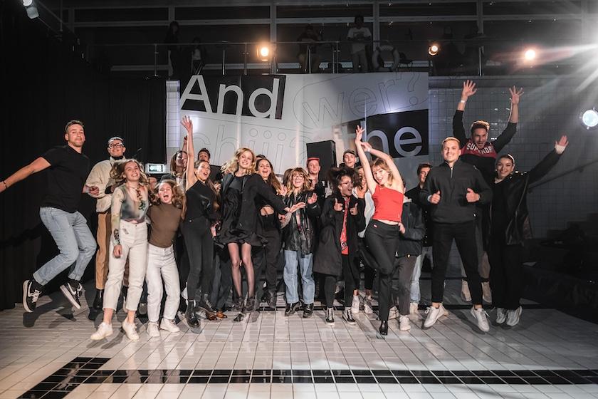 Junge Grafik 2021 Gewinner:innen auf der Bühne