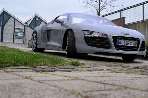 r8_front_05